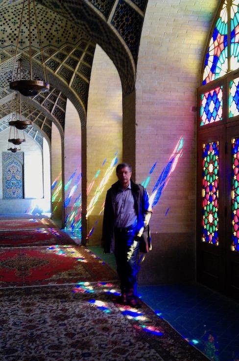Gebetssaal (shabestan) in der Moschee Nasr-ol-Molk