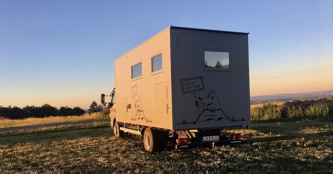 """mole-on-tour """"Fuso Canter"""" Wohnmobile auf der Kuppe des Eisenberg im Knüll"""