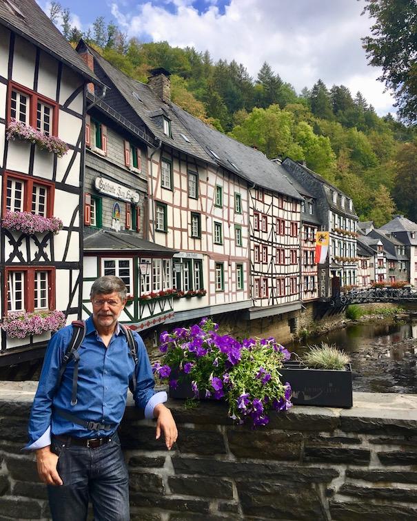 Monschau Historische-Altstadt Eifel-Fachwerk Top-Sehenswürdigkeiten Nationalpark-Eifel in der Eifel Monschau an der Rur mit seinen Fachwerkhäusern