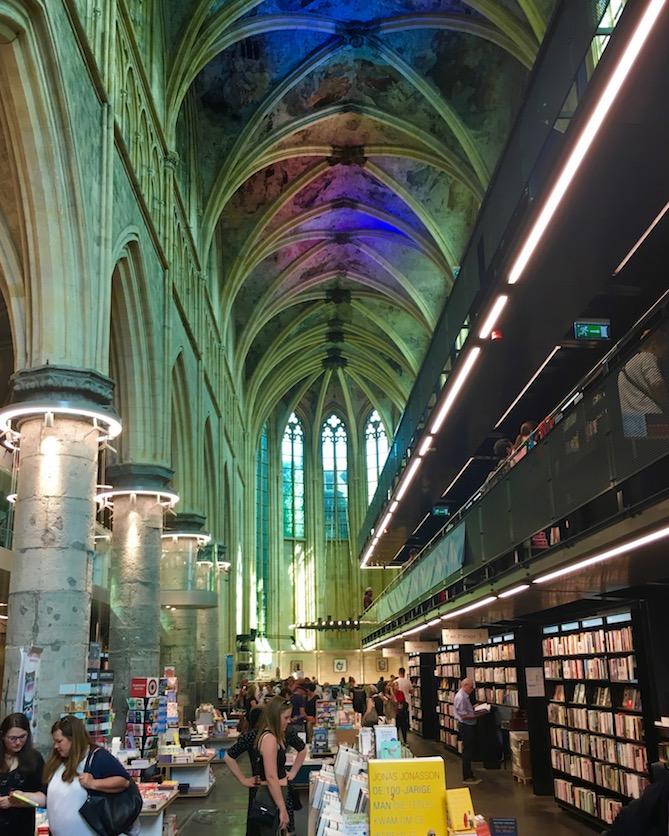 Maastricht Historische-Altstadt Maastricht Niederlande Dominicanian-Buchhandlung schönste Buchhandlung der Welt Maastricht-Niederlande