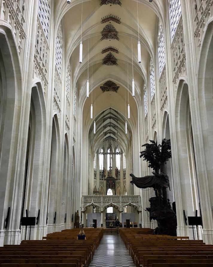 Leuven Löwen Stadt in Belgien Top-Sehenswürdigkeiten Historische-Altstadt Die spätgotische Sint-Pieterskerk in Leuven-Belgien