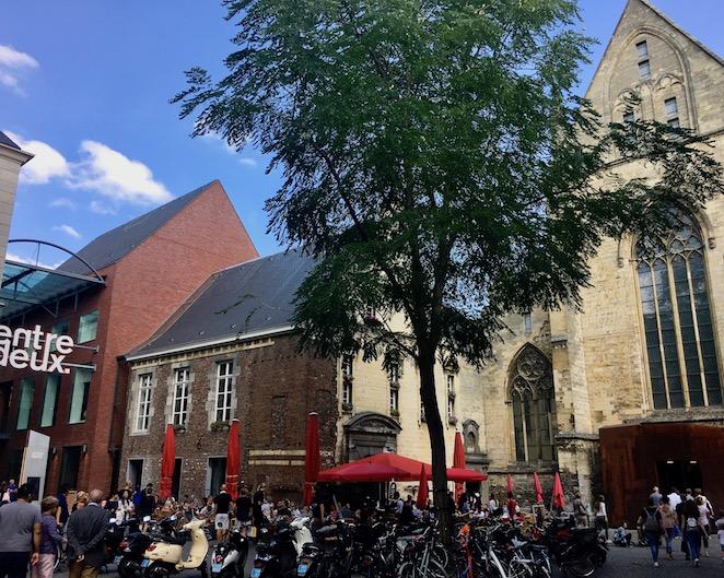 Maastricht Historische-Altstadt Maastricht Niederlande Eingang zur Dominicanian-Buchhandlung schönste Buchhandlung der Welt  Maastricht-Niederlande