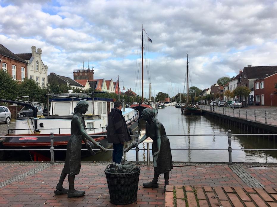 Figurengruppe am Alter-Hafen-Weener
