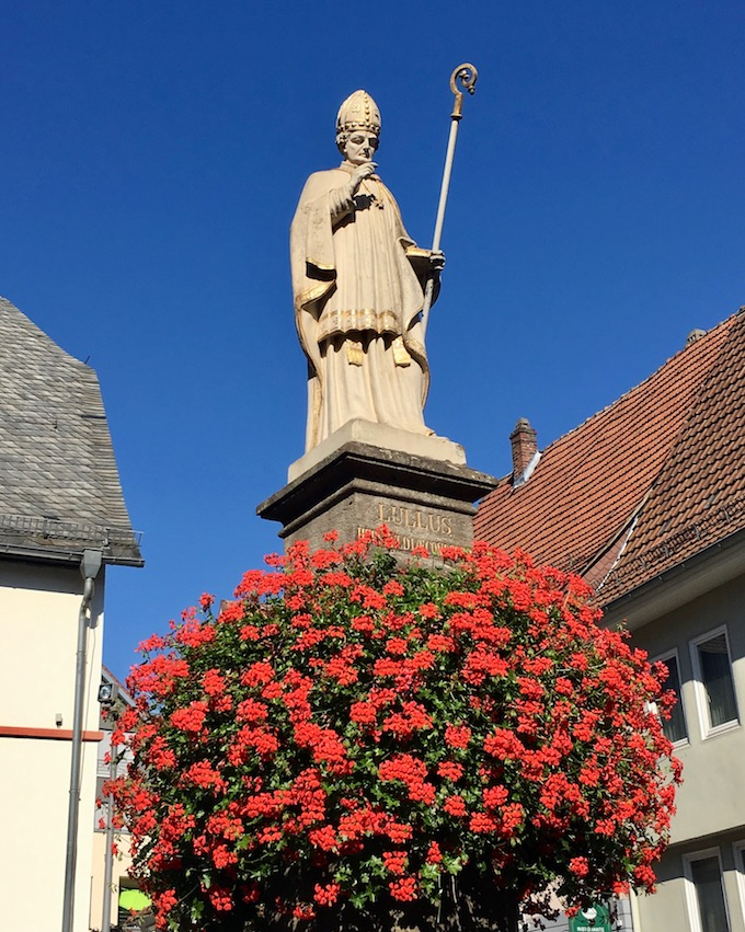 Lullusdenkmal-Lullusbrunnen-Bad-Hersfeld