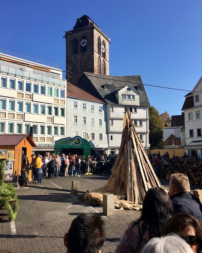Lullusfeuer 2018 in Bad Hersfeld  vor dem Anzünden