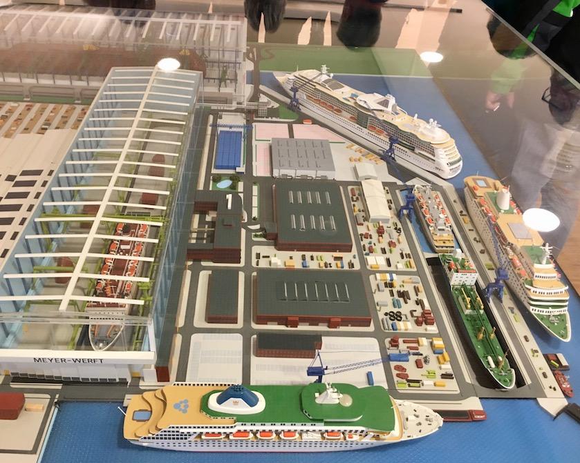 Modell der Meyer-Werft-Papenburg