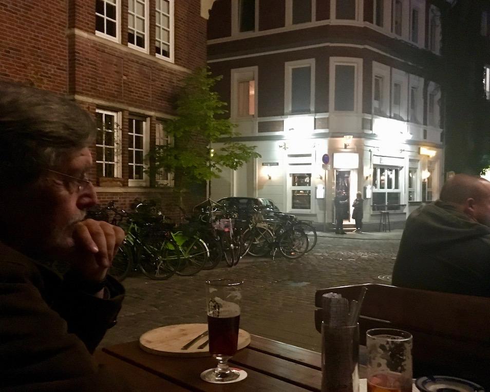 abends im Pinkus-Müller-Münster eine Kneipe mit leckerem Bier aus eigener Brauerei