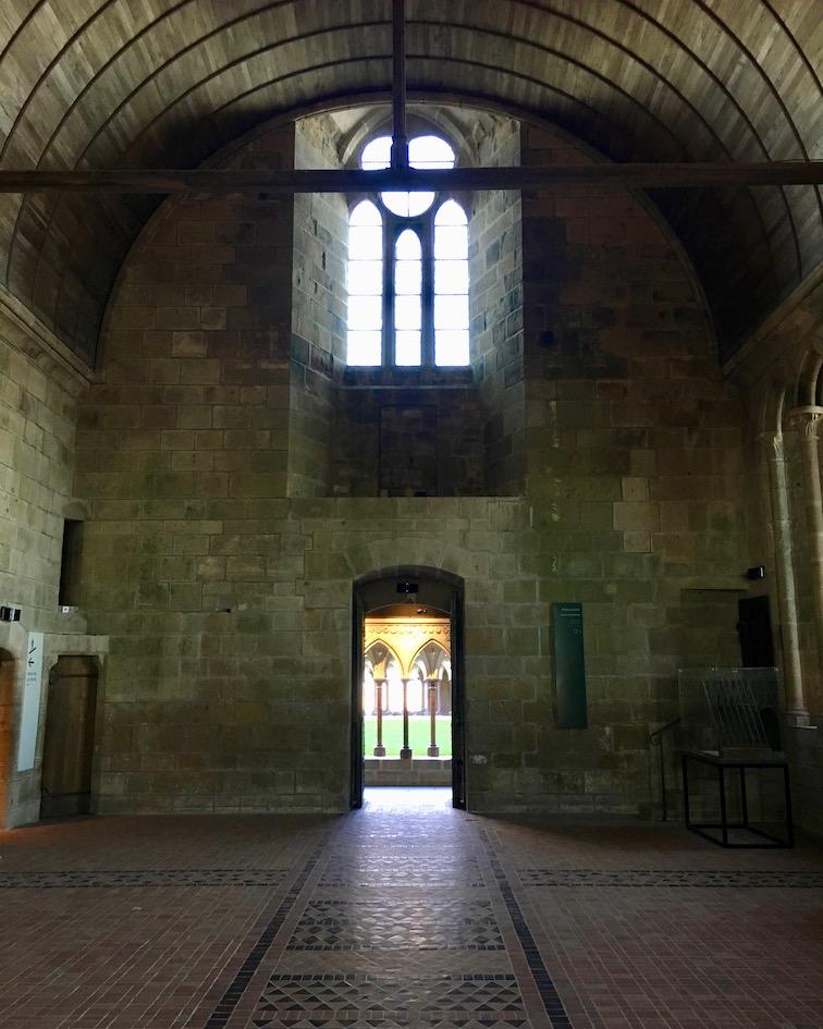 Ausgang Refektorium zum Kreuzgang Le Mont-Saint-Michel Normandie Frankreich Weltkulturerbe