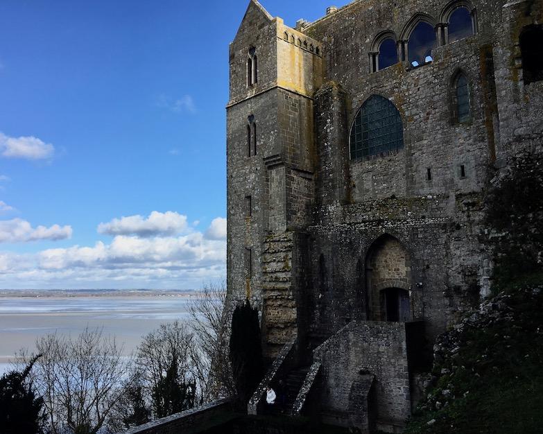 Blick von Gärten der Nordseite auf Merveille Le Mont-Saint-Michel Normandie Frankreich Weltkulturerbe