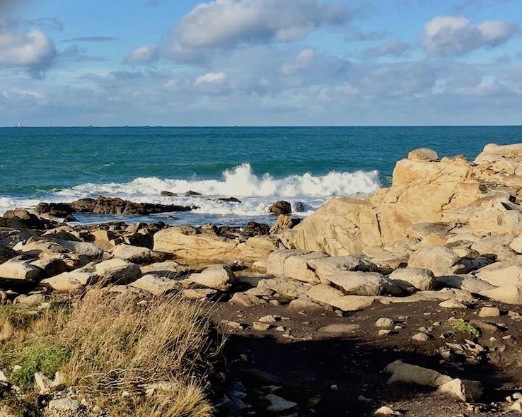 Brandung bei Ile Grande La-Côte-de-Granit-Rose Bretagne Frankreich