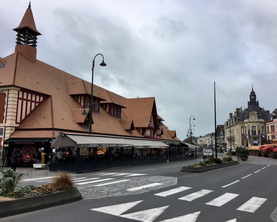 Fischhalle in Trouville-sur-Mer Normandie Frankreich