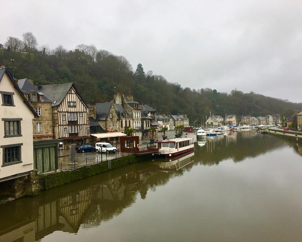 Flusshafen der Rance in Dinan Bretagne