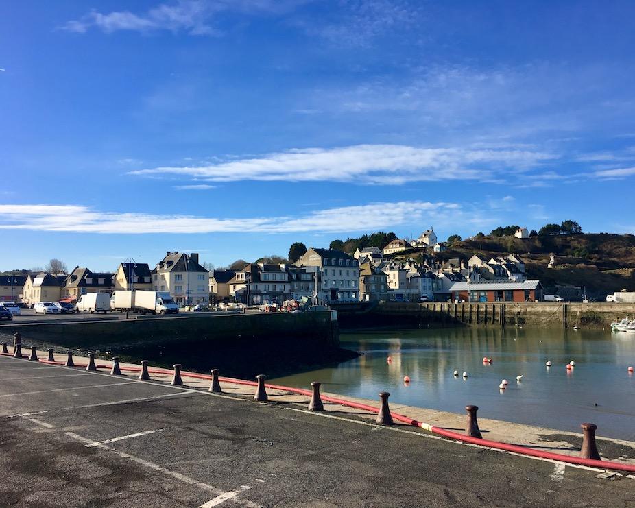 Hafen von Port-en-Bassin Normandie Frankreich
