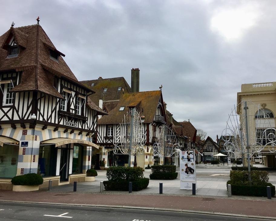 Niederlassung Hermes Deauville Normandie Frankreich