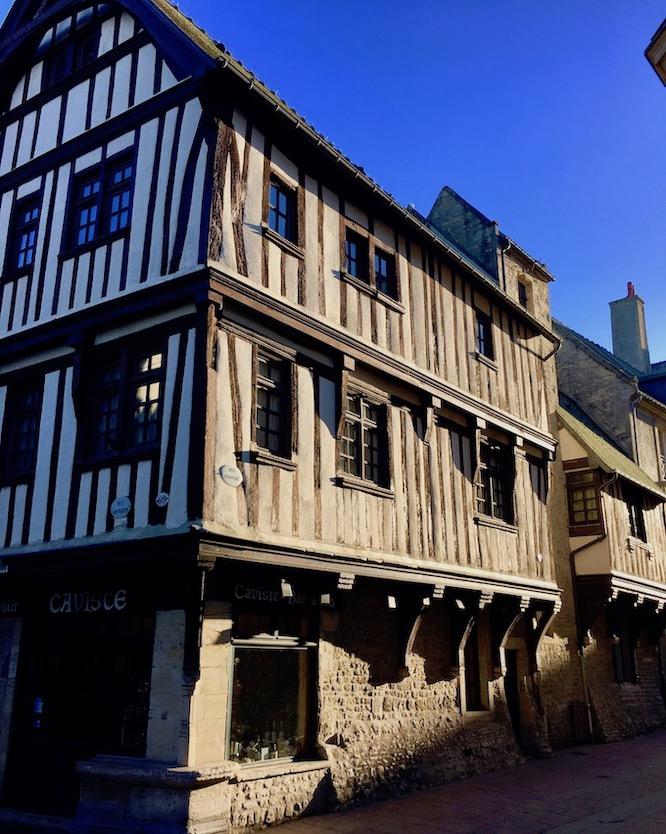 Historisches Fachwerkhaus Bayeux Normandie Frankreich
