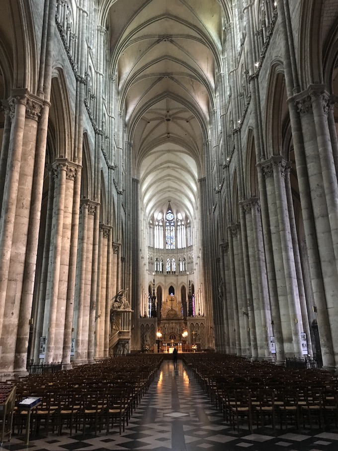 Hauptschiff mit Blick in den Chor Kathedrale Notre-Dame von Amiens Normandie Frankreich Weltkulturerbe