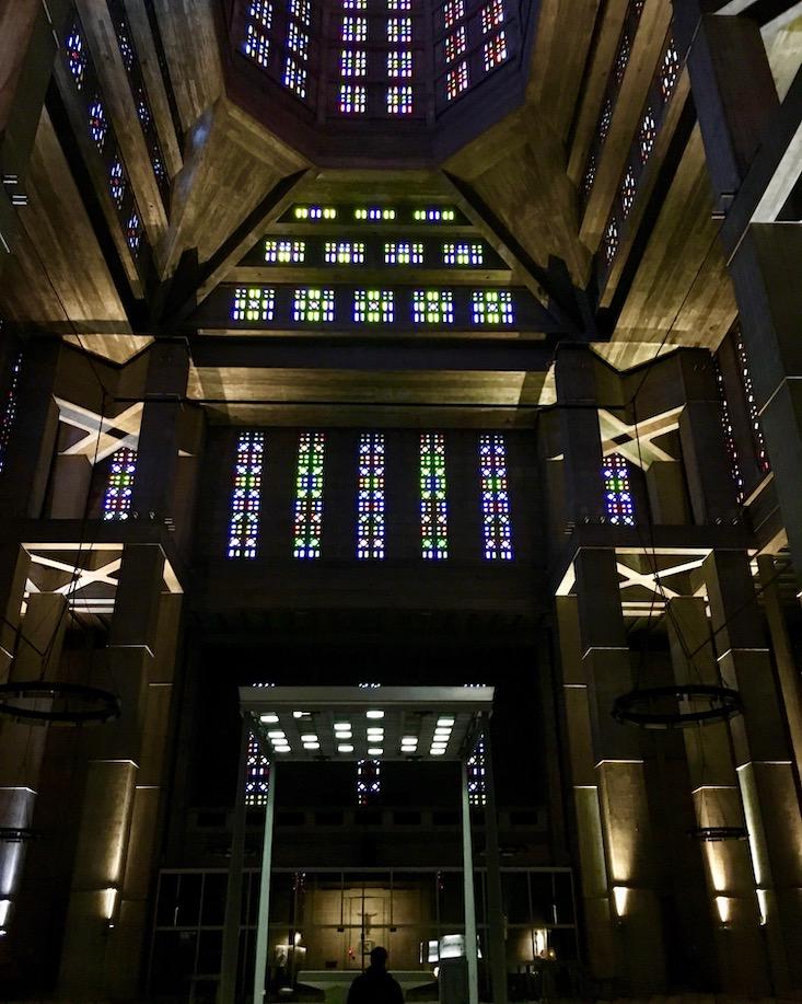 Innenraum Kirche St.-Joseph Le Havre Normandie Frankreich Weltkulturerbe