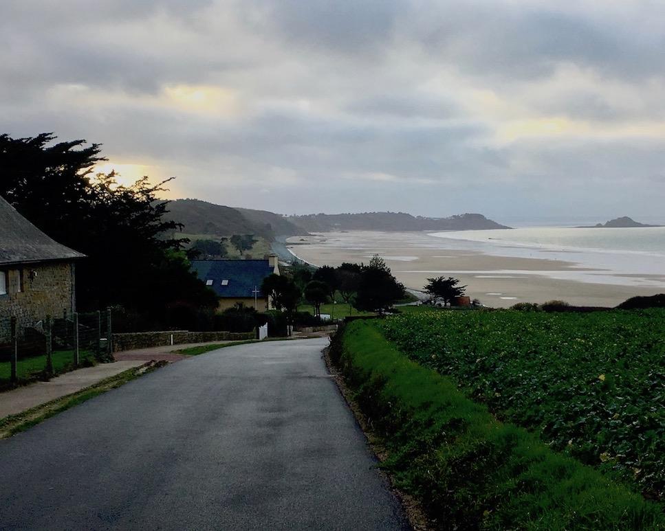 Sandstrand Richtung Erquy Bretagne