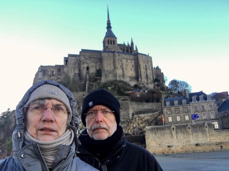 Selfie vor Le Mont-Saint-Michel Normandie Frankreich Weltkulturerbe