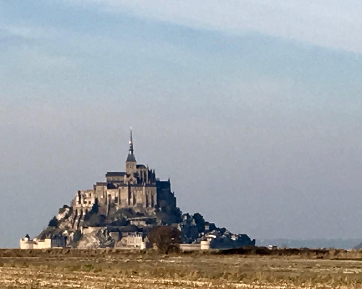vom Wohnmobilstellplatz Blick auf Le Mont-Saint-Michel Normandie Frankreich