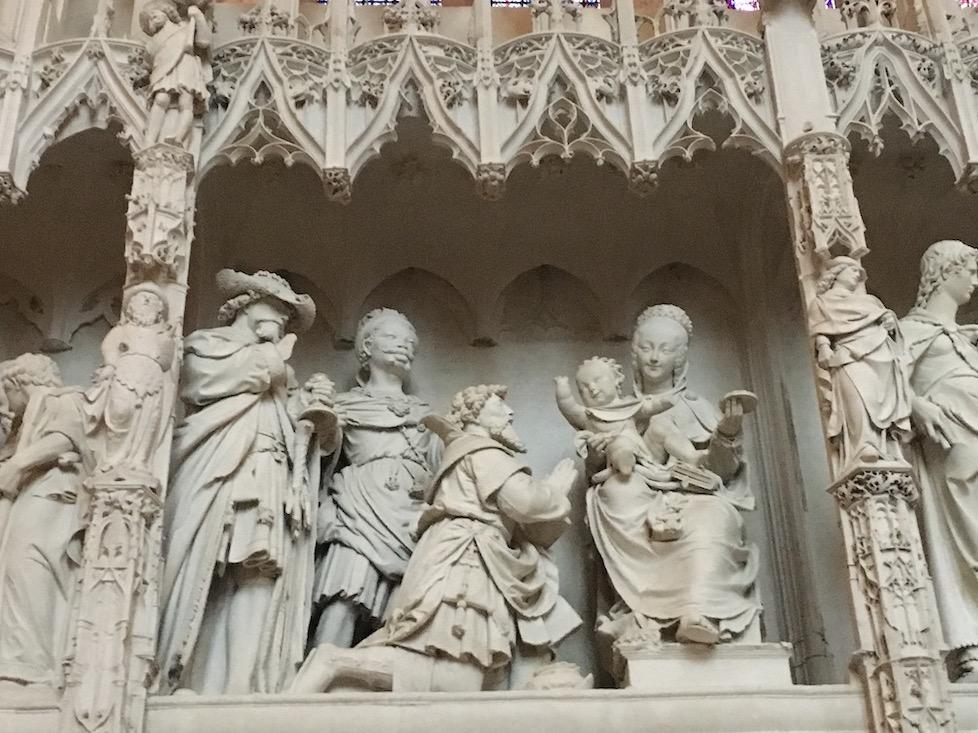 Detail-Chorschranke Titel-der-Gruppe Anbetung-der-Weisen Kathedrale Notre-Dame Chartres Frankreich Weltkulturerbe