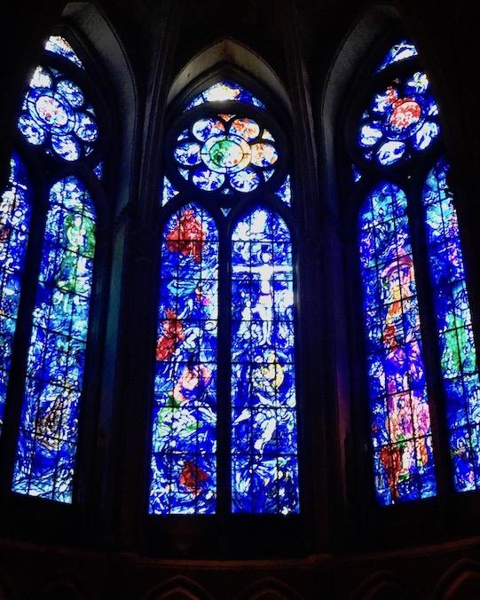 Kathedrale Notre-Dame von  Reims Buntglasfenster von Marc Chagall