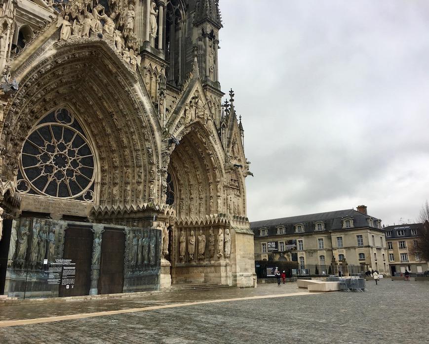 Palais du Tau neben der Kathedrale Notre-Dame Reims