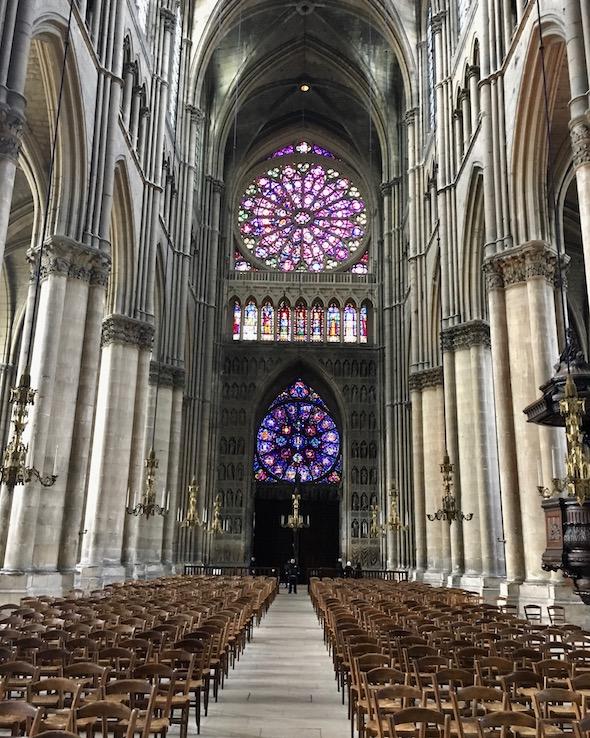 Westfassade von Innen Kathedrale Notre-Dame von Reims Bretagne Frankreich Weltkulturerbe