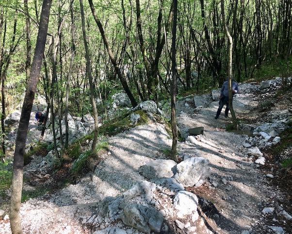 Anstieg zum Boka Wasserfal