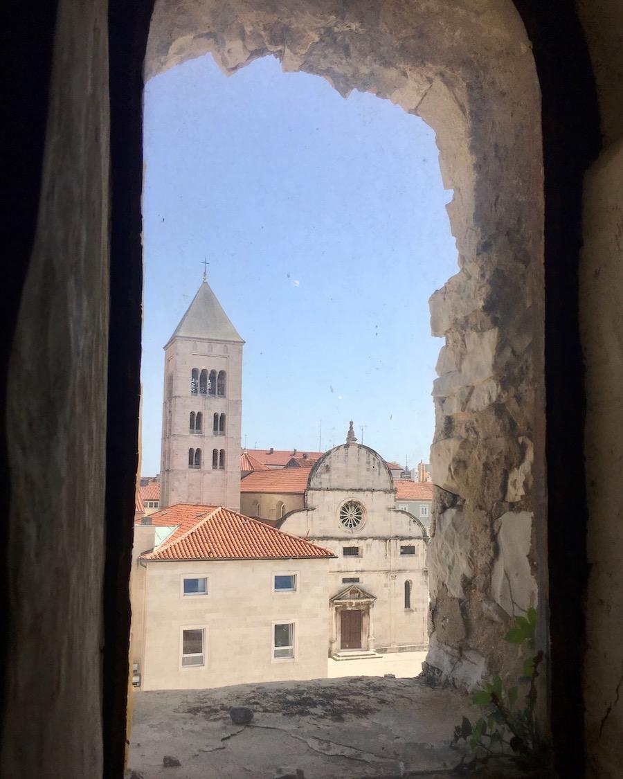 Zadar Altstadt Dalmatien Kroatien Blick auf Kirche St. Mary des Benediktiner Klosters in Zadar