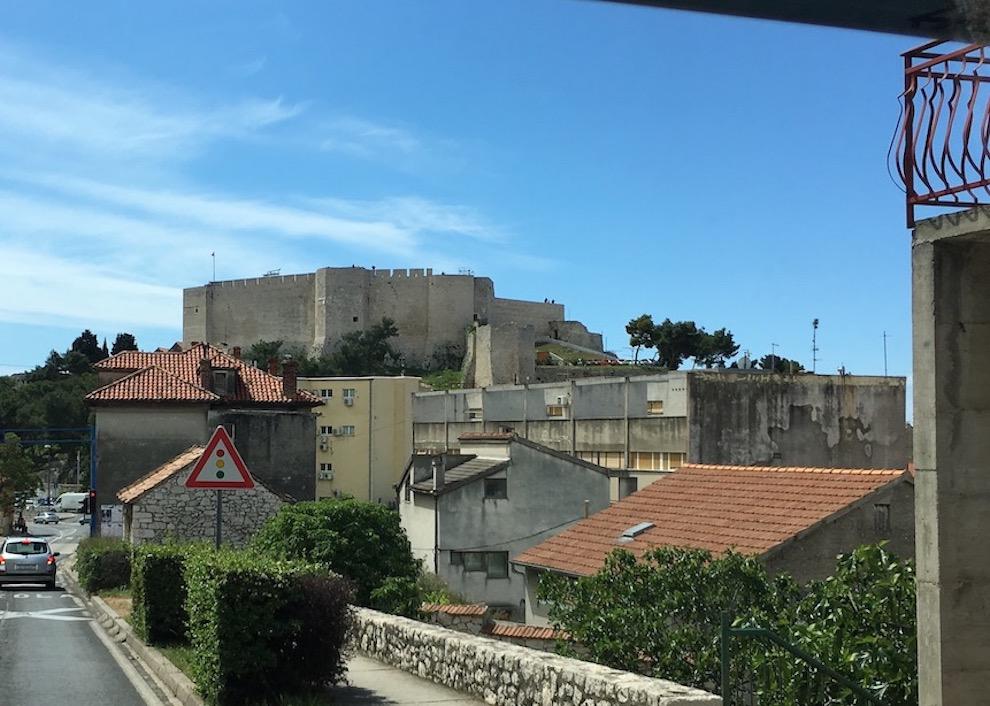 Sibenik Altstadt am Fluss Krka Adriaküste Kroatien Die Burg Festung St.Michael von Sibenik Kroatien