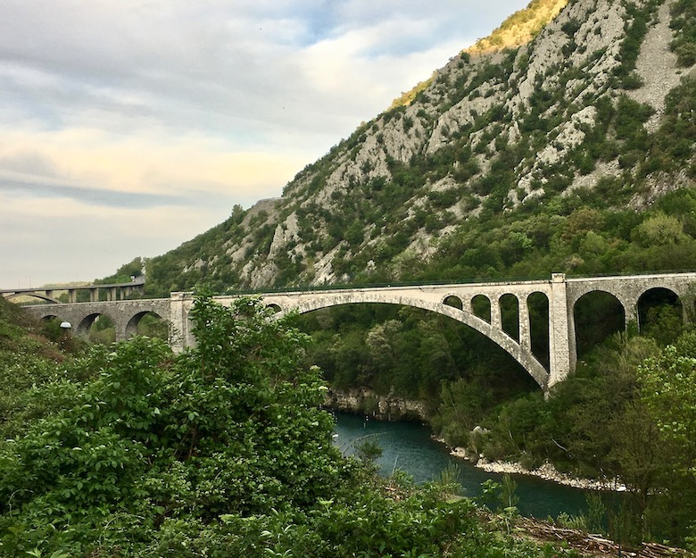 Eisenbahnbrücke über den Isonzo bei Salcana-heute
