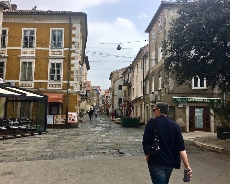 in die Altstadt von Senji Kroatien