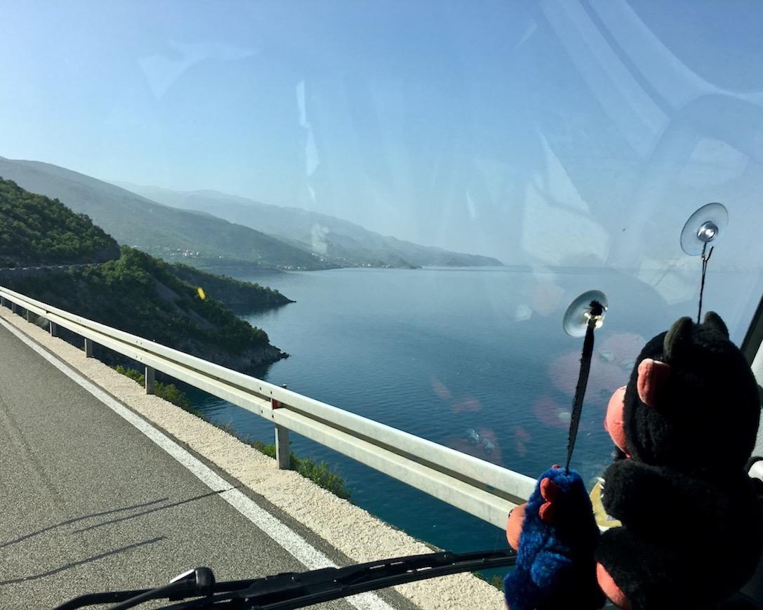 mit mole-on-tour auf der Küstenstraße in Kroatien