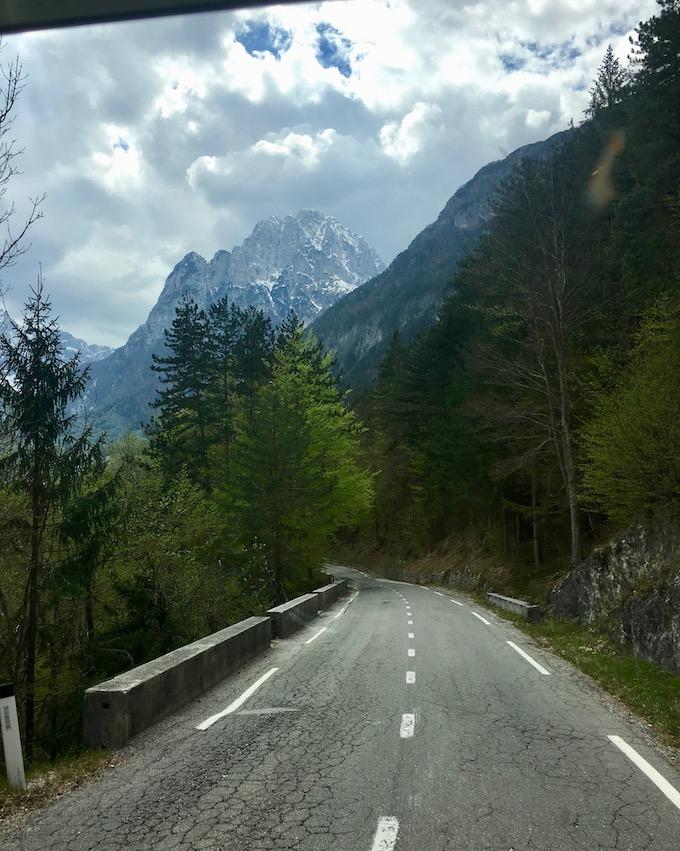 vom Predil Pass ins Tal