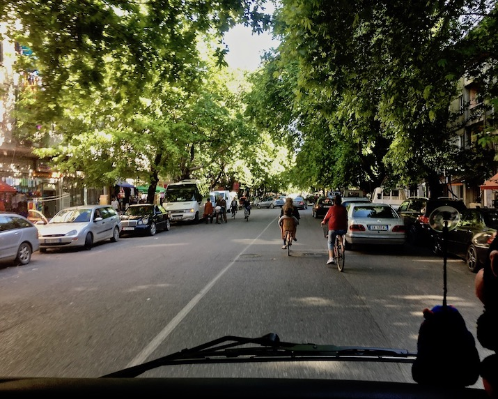 Alleestraße in Shkodra Albanien