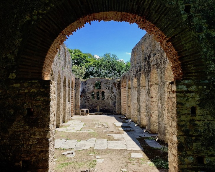Apsis der Großen Basilika Butrint Albanien