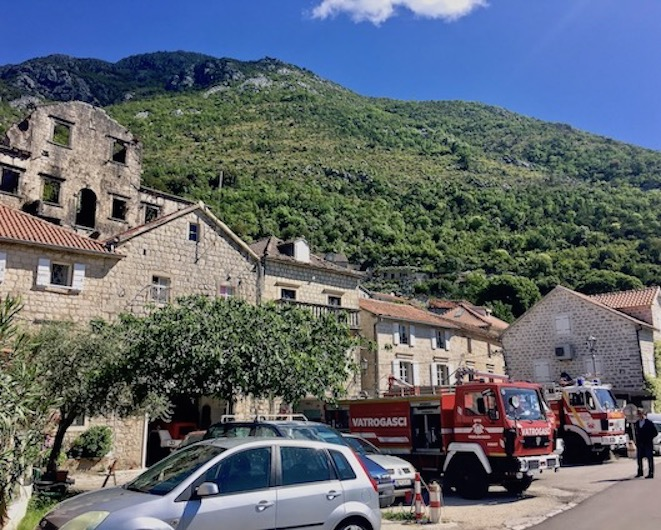 Feuerwehr in Perast Kotor-Bucht Montenegro