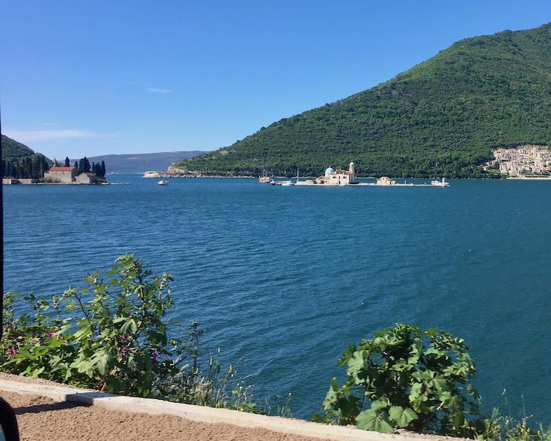 Insel Gospa od. Skrepjela in der Kotor-Bucht Montenegro