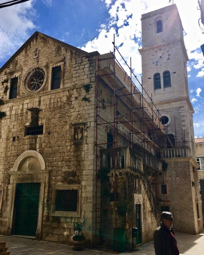 Sibenik Altstadt am Fluss Krka Adriaküste Kroatien Kirche des St. Johannes in Sibenik