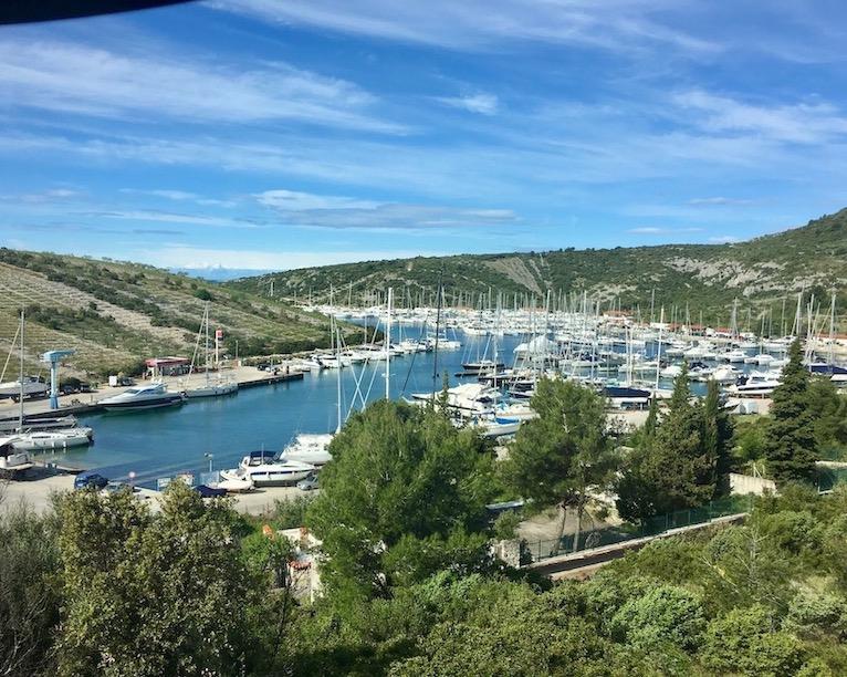 Primosten Historische-Altstadt Adriaküste Dalmatien Kroatien Marina von Primosten Kroatien
