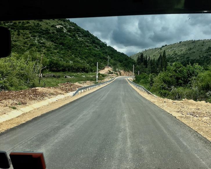 Neue Straße in Montenegro