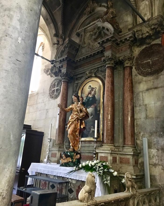 Seitenaltar Kathedrale des Hl.Jakobus in Sibenik Kroatien