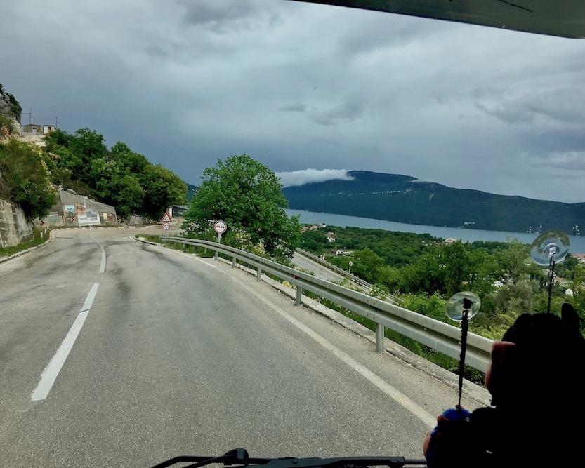 Serpentinen nach Herceg-Novi Montenegro