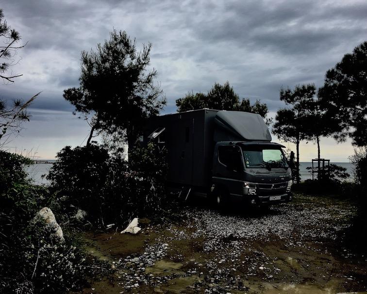 Campingplatz Pa-Emer Albanien Wohnmobil-Stellplatz mole-on-tour auf dem Campingplatz Pa-Emer bei Karpen Albanien