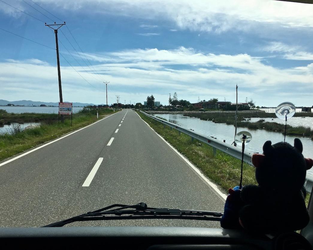 Straße Richtung Laguna e Patokut Albanien
