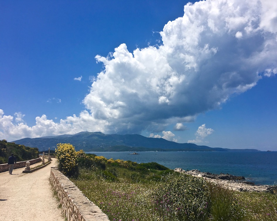 Strand-Promenade in Ksamil Albanien