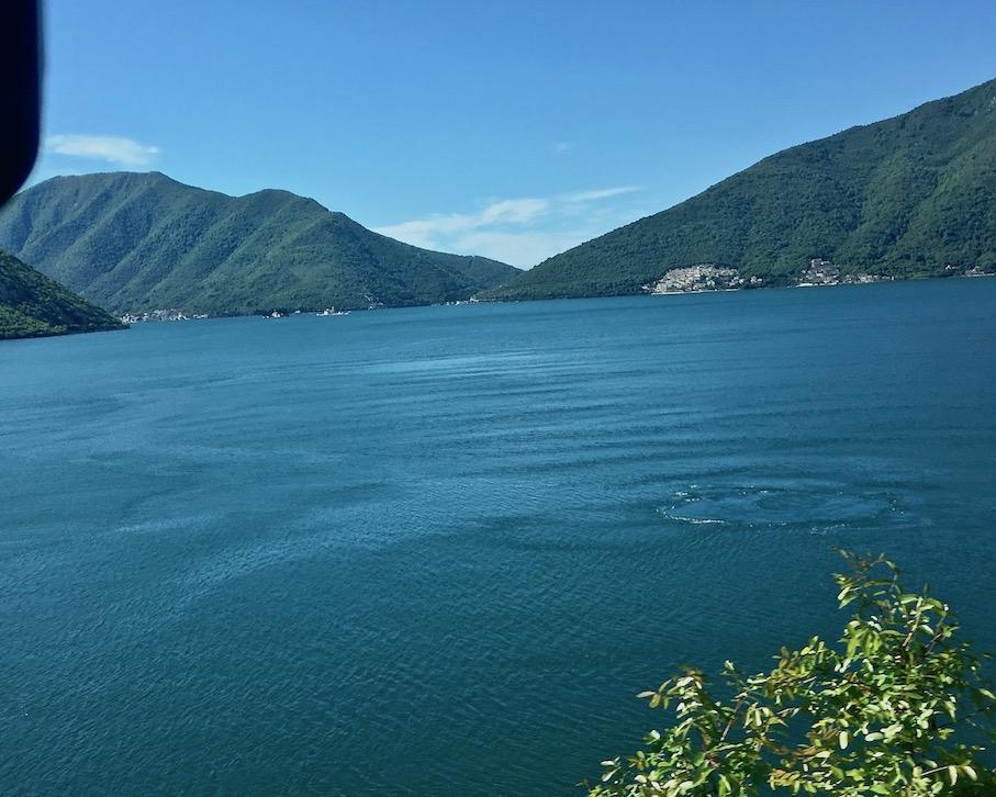 Strudel in der Kotor-Bucht Montenegro