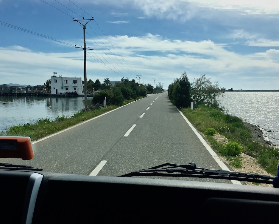 Zufahrtsstraße zur Laguna e Patokut Albanien