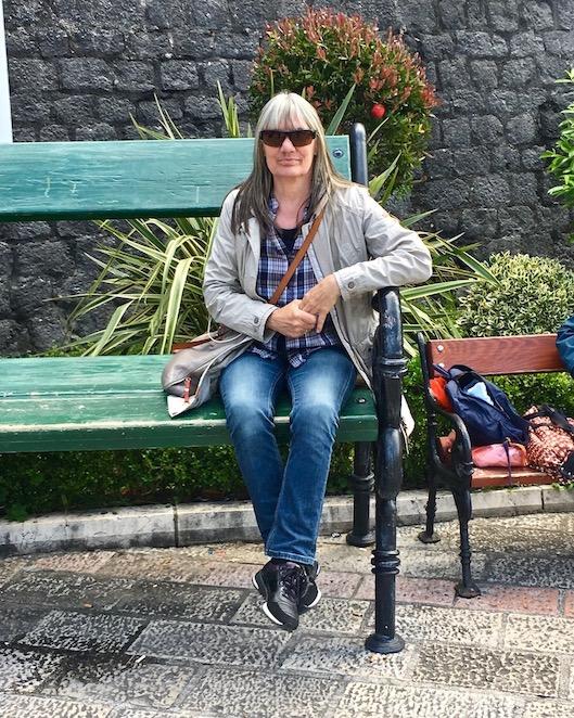 auf der Bank in Kotor